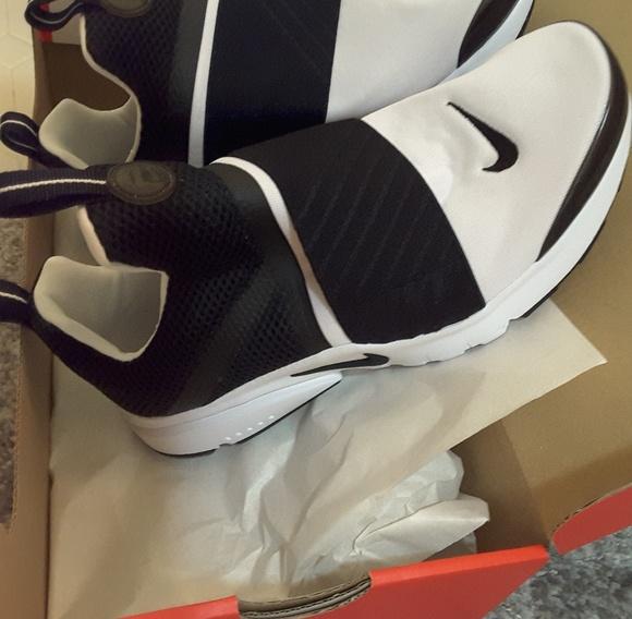 56b064792c7b Girls Nike Presto Extreme Shoes (size 7Y)
